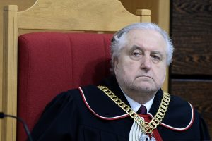 Žmogaus teisių gynėjai kritikuoja Lenkijos Konstitucinio teismo reformą