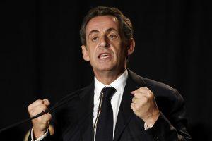 Prezidento debatuose N. Sarkozy aiškinosi dėl teisinių problemų