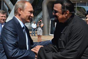Amerikiečių aktorius S. Seagalas tapo Rusijos piliečiu