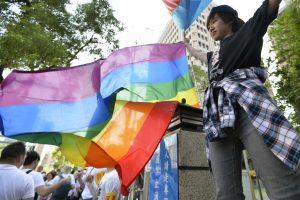 Taivaniečiai priešinasi tos pačios lyties asmenų santuokos įteisinimui