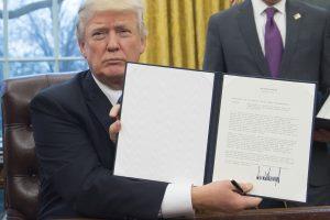 JAV nori iš naujo derėtis dėl laisvosios prekybos sutarties