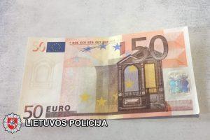 Baudžiamoji byla – savo noru: koją pakišo 100 eurų kyšis