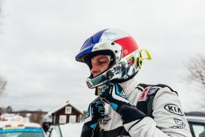 Lenktynininkas D. Pocius: trispalve turime džiaugtis kasdien