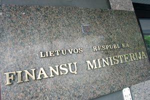 Ministerija nepritaria siūlymui darbuotojus skatinti socialinėmis iniciatyvomis