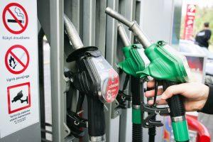 Liūdnos prognozės naftos pramonei: paklausa mažės iki 2050 metų