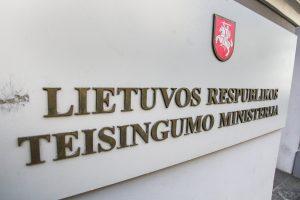 Rusai tyli dėl už šnipinėjimą kalinčių lietuvių grąžinimo