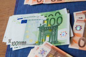 Telefoninis sukčius iš šiaulietės išviliojo 7 tūkst. eurų