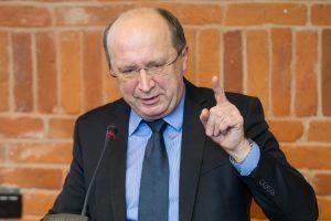 """12 valstybės institucijų neturi vadovų: A. Kubilius pavadino """"zombių valdžia"""""""