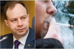 A. Veryga: rūkaliai patys turi rasti vietą rūkymui