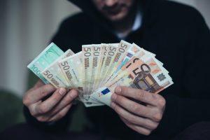 Po nepažįstamųjų vizito – 17 tūkst. eurų nuostolis
