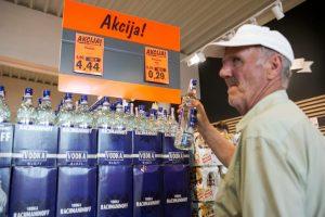 Prognozė: šiemet alkoholio Lietuvoje bus parduota dešimtadaliu mažiau