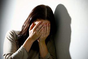 Moterį išžagino į namus įsibrovęs nekviestas svečias