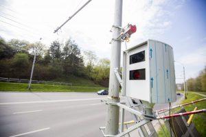 Kurios greičio matavimo įrangos nepajėgia užfiksuoti joks radarų detektorius?