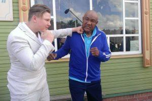 Lietuvoje apsilankiusi bokso legenda braukė ašaras