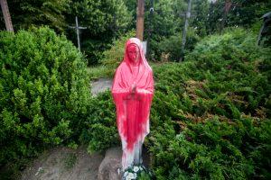 Išpuolis Kauno kryžių kalnelyje: išniekinta Švč. Mergelės Marijos statula