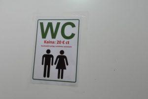 Savaitgalio neramumai prekybos centruose: tualete užsirakino vyras, degė šaldytuvas