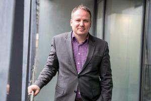 """Ministrą G. Surplį apskundė VTEK: """"valstietis"""" naudojosi tarnybine padėtimi?"""