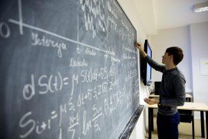Galvosūkis po bakalauro: ką rinktis magistro studijoms? (pataria ekspertai)