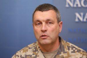 Latvijoje siūloma įvesti privalomąjį karinį mokymą moksleiviams