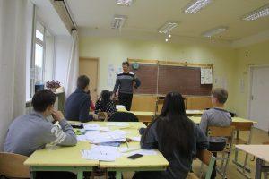 Pabėgėlių priėmimo centro vaikų emocijos atsispindi piešiniuose