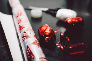 Išskirtinis dovanų pakavimas: kas madinga šiemet?