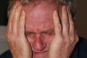Nelaimės išvengti galima: kaip atpažinti insulto požymius?