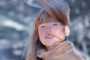 Įsielektrinę plaukai: kaip to išvengti?