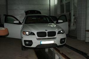 """Prabangiame """"BMW X6"""" – 1,5 mln. eurų vertės hašišas"""