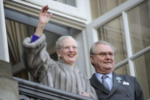 Danijos karalienės vyrui princui Henrikui diagnozuota silpnaprotystė