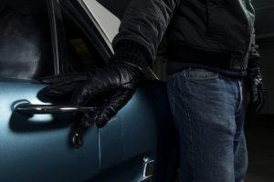 Keturi lietuviai Estijoje nuteisti už mašinų vagystes