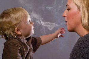 Rūko tėvai, o kenčia vaikai: kaip su tuo kovoti?
