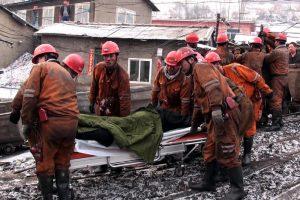 Per dujų sprogimą Kinijoje žuvo mažiausiai 15 kalnakasių