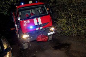 Gaisras Žaliakalnyje: vyras išsigelbėjo pats, moterį išvedė ugniagesiai