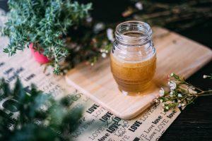 Gydytojas atskleidžia tai, ko nežinojote apie medų