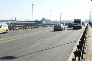 Klaipėdoje avarijos paralyžiavo vienintelį automobiliams atvirą tiltą per Danę
