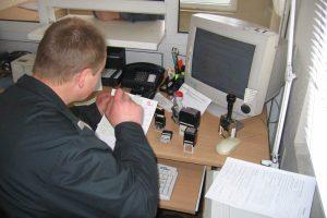 Klaipėdos uoste pasieniečiams įkliuvo suklastotas teises pateikęs aštuoniolikmetis