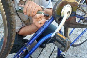"""Pareigūnai """"Velomaratone"""" žymės dviračius"""