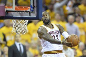 """L. Jamesas liks ištikimas """"Cavaliers"""""""