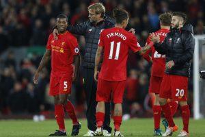 """""""Liverpool"""" nepasinaudojo proga pakilti į Anglijos futbolo lygos viršūnę"""