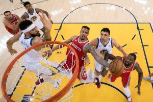 """NBA Vakarų finale """"Warriors"""" įsiveržė į priekį"""