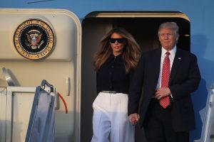 """D. Trumpas žada """"visiškai naują"""" įsaką dėl imigracijos"""