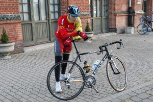 Dienos be automobilio lenktynėse – dviratininko triumfas
