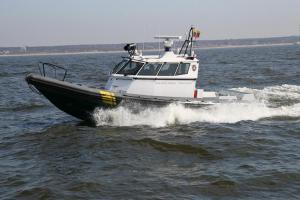 Vyras iššoko iš jachtos ir pasiklydo Kuršių mariose