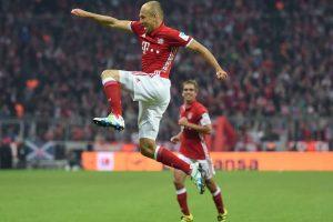 """""""Bayern"""" tapo vienvaldžiu Vokietijos futbolo pirmenybių lyderiu"""