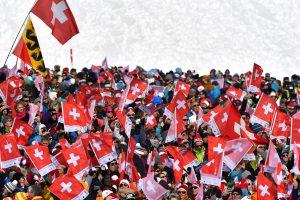 Žiniasklaida: šveicarai pritarė naujoms pilietybės suteikimo taisyklėms