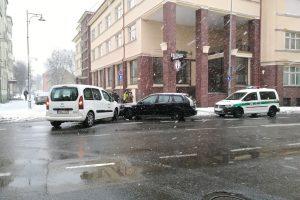 Susidūrusių mašinų vairuotojai nesutarė dėl kaltės