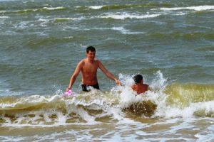Jūroje ties Palanga maudytis saugu