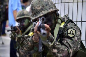 JAV ir Pietų Korėjos kariai pradeda bendras karines pratybas