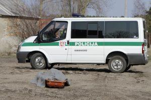 Policijos kieme mirė benamis, kurio medikai nevežė į ligoninę