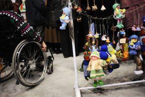 Neįgalieji įtaria diskriminaciją: uždraus dirbti pilnu etatu?